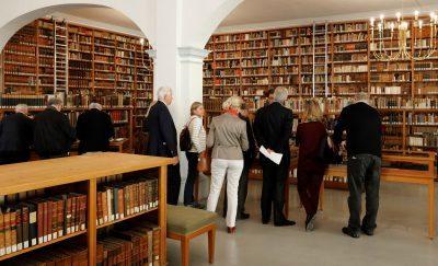 Association Internationale de Bibliophilie von Schätzen der Forschungsbibliothek Gotha begeistert